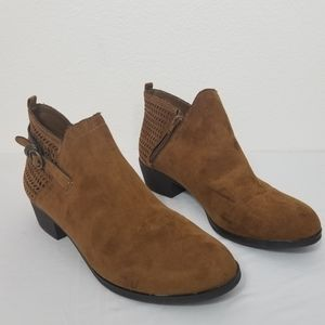 Rouge Helium Chelsey Boots